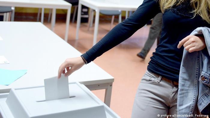 Участвовать в голосовании на выборах в бундестаг немцы могут с 18 лет