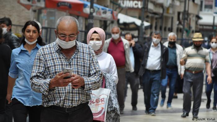Türkei   Straßenszene aus der Stadt Ordu am Schwarzen Meer