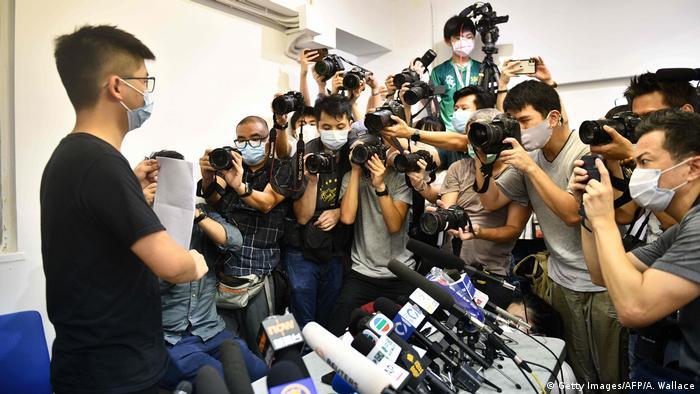 Hongkong Aktivist Joshua Wong bei einer Konferenz (Getty Images/AFP/A. Wallace)