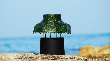 Eco Africa - A lamp made out of seaweed
