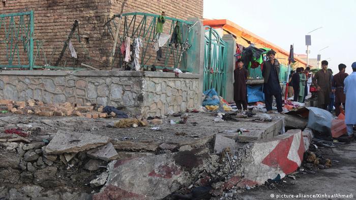 Afghanistan Logar | Verwüstung nach Explosion einer Autobombe mit mehreren Toten