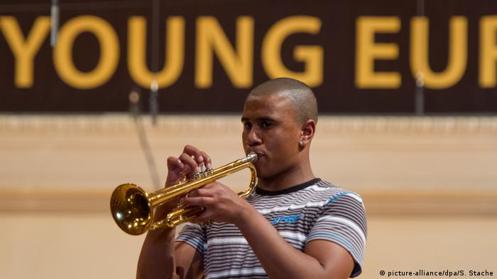 Isaac Lincoln, trompeter, performs at the Young Euro Classic in 2012 (picture-alliance/dpa/S. Stache)
