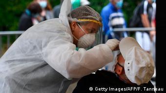 Γερμανία: υποχρεωτικά τεστ κορωνοϊού για όσους έρχονται από περιοχές υψηλού κινδύνου