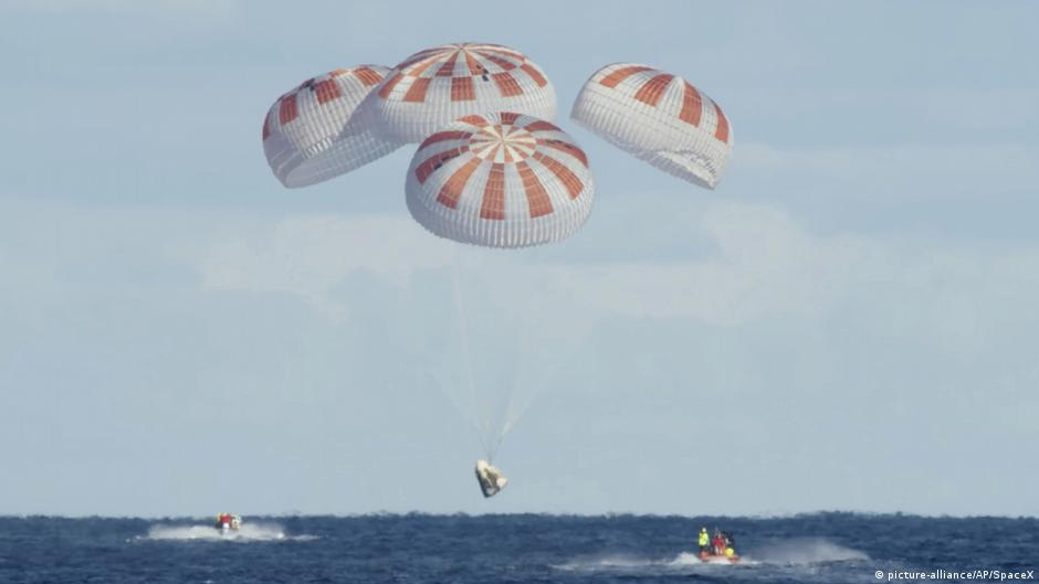 US astronauts to return to Earth in rare splashdown on SpaceX capsule