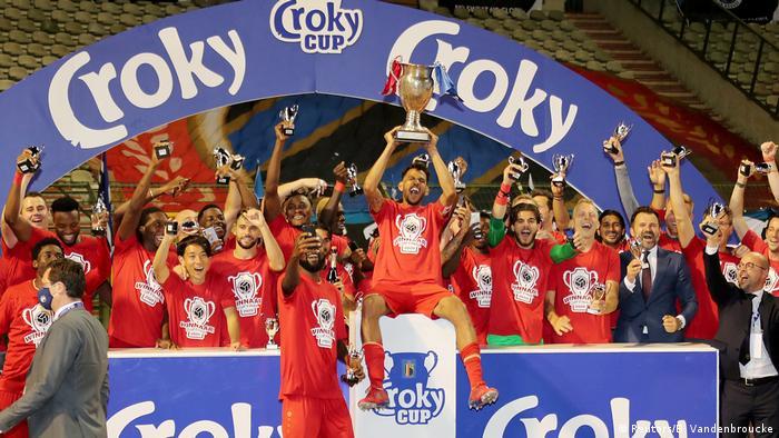 Belgien Antwerpen gewinnt Pokal gegen Brügge (Reuters/B. Vandenbroucke)