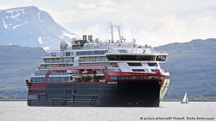 Norwegen - MS Roald Amundsen (picture-alliance/AP Photo/R. Stoltz Bertinussen)