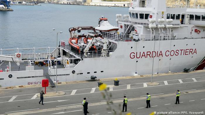 Gregoretti der italienischen Küstenwache in Valletta, Malta (picture-alliance /AP/L. Azzopardi)