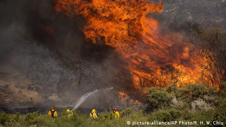 USA Waldbrände in Kalifornien (picture-alliance/AP Photo/R. H. W. Chiu)