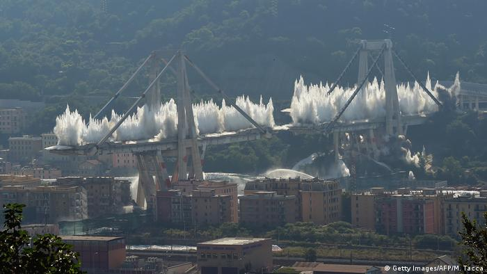 The remains of the Morandi viaduct are destroyed in a controlled explosion (Getty Images/AFP/M. Tacca)