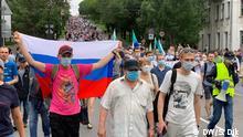 01.-0208.2020+++Seit mehr als drei Wochen protestieren Tausende Menschen in Chabarowsk gegen Festnahme des ehemaligen Gouverneurs Sergej Furgal. (c) DW/Sergey Dik