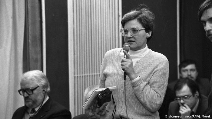 Renate Marsch na konferencji prasowej OPZZ (1984)