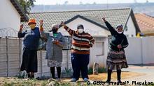 Südafrika Soweto | Coronavirus | Beerdigung