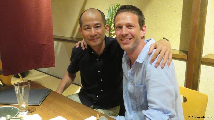 La Bombe author Didier Alcante (r) and his Japanese friend in Hiroshima in 2018