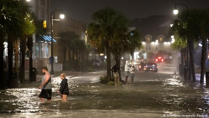USA Sturm Isaias (AFP/Getty Images/S. Rayford)