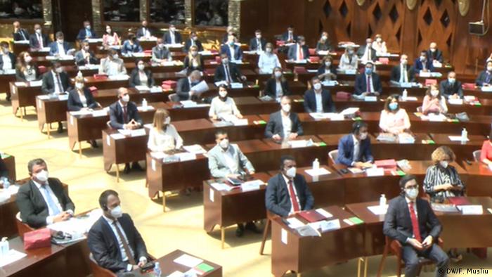 Nordmazedonien   Skopje   Sitzung des neuen Parlaments