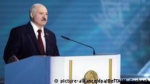Weißrussland Minsk   Präsident Alexander Lukaschenko hält eine Rede