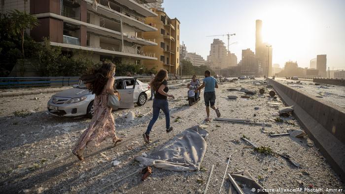 Libaneses huyen del lugar de las explosiones
