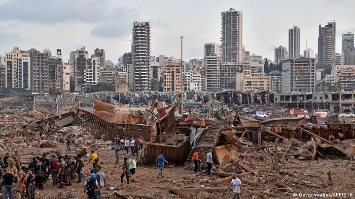 Руйнування внаслідок вибухів неподалік порту в Бейруті