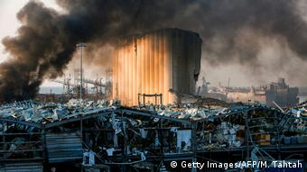 Libanon | Gewaltige Explosion in Beirut (Getty Images/AFP/M. Tahtah)