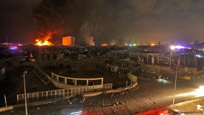 به کشتی سازمان ملل متحد و سربازان کلاه آبی که برای حفاظت از صلح در لبنان مستقر هستند نیز آسیبهای وارد شده است.