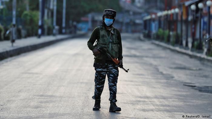 Indien verhängt Ausgangssperre in Kaschmir
