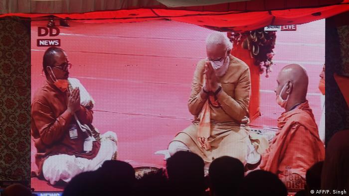 Indien Ayodhya - Grundsteinlegung für einen Hindu-Tempel durch Premierminister Modi (AFP/P. Singh)