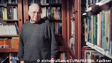 Dec 15, 1999; Krakow, POLAND; Polish author STANISLAW LEM, most famous for science fiction works including Solaris, has died of heart disease at age 84. Lem sold more than 27 million copies of his works, translated into 40 languages and was the most widely translated Polish author. He died of heart ailments in a Krakow hospital. Polish author Stanislaw Lem, Sept. 12, 1921 - Mar. 27, 2006, pictured in the library at his house in Krak—w, Poland, in December, 2005. (Credit Image: © Andrew Faulkner/ZUMAPRESS.com) |