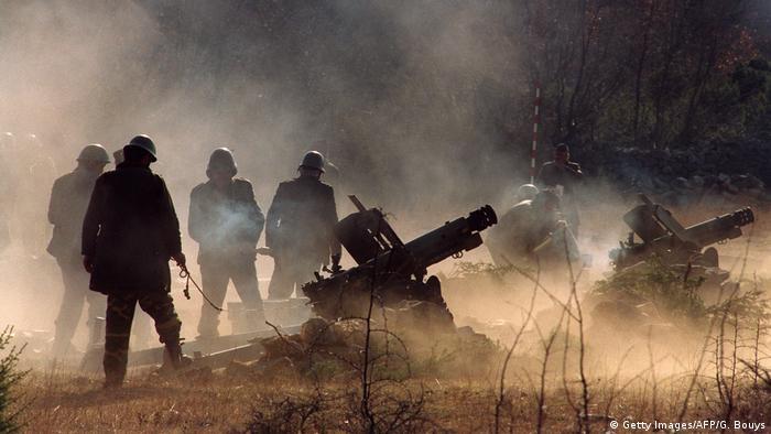 Srpske snage kod Obrovca granatiraju hrvatske ciljeve (1993)