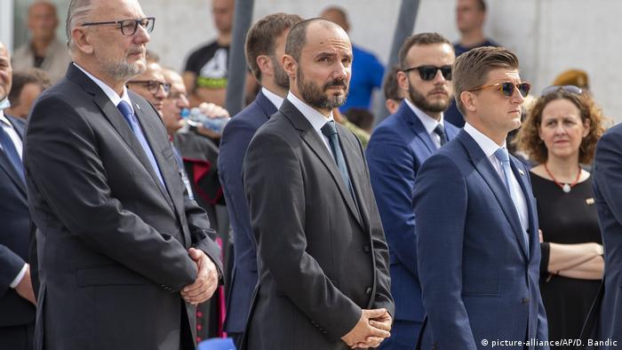 """Predstavnik hrvatskih Srba Boris Milošević (u sredini) bio je i na proslavi godišnj """"Oluje"""" u Kninu"""