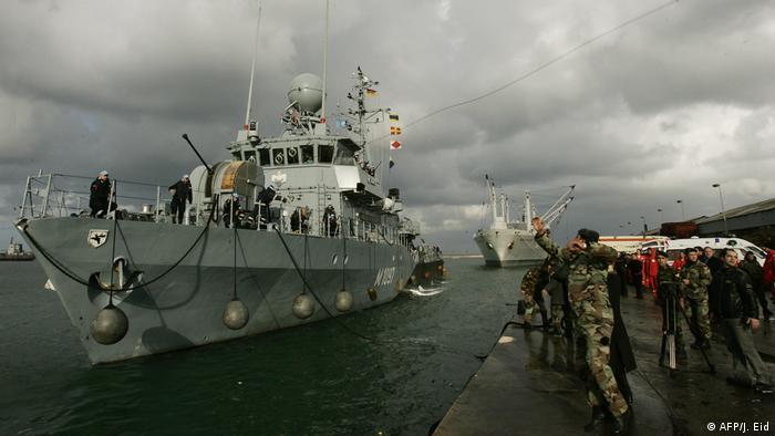 یک کشتی جنگی وزارت دفاع آلمان با نیروهایش از آب های قبرس به بندر بیروت اعزام شده تا در عملیات نجات و امداد سهم بگیرد. آلمان علاوه براین یک تیم اکتشافی و طبی را نیز با مقدار زیادی دارو و لوازم شفاخانه ای به محل ارسال کرده است.