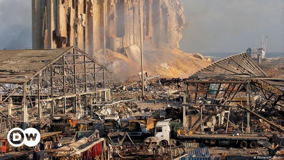 تنحية قاض عن التحقيق في انفجار مرفأ بيروت بعد ضغوط سياسية