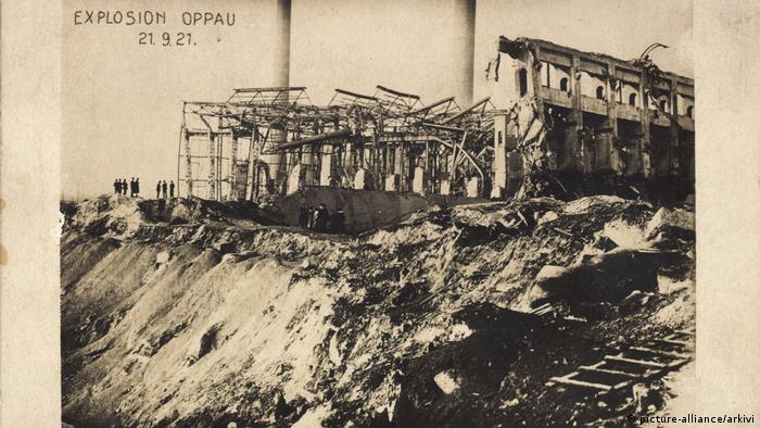 Deutschland Oppau Ludwigshafen am Rhein | Gebäude nach der Explosion 1921 (picture-alliance/arkivi)