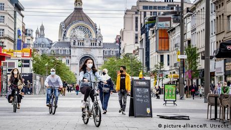 Belgien | Antwerpen | Coronavirus | Maskenpflicht (picture-alliance/R. Utrecht)