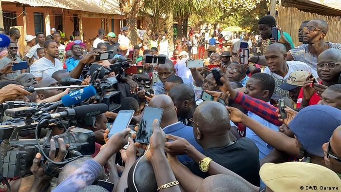 Guinea-Bissau Journalisten für Pressefreiheit (DW/B. Darame)
