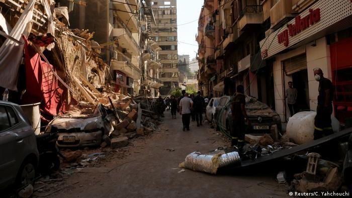 За оцінками міської влади, внаслідок вибухів пошкоджено половину будівель Бейрута