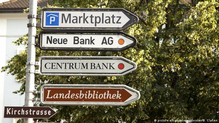 Ліхтенштейн Три країни в Європі є німецькомовними: Німеччина, Австрія та маленький Ліхтенштейн зі столицею Вадуц. У князівстві 35 тисяч людей говорять німецькою, в Австрії - 7,5 мільйонів, а в Німеччині - приблизно вдесятеро більше.