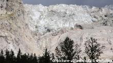 Italien Courmayeur | drohender Gletschersturz am Mont Blanc