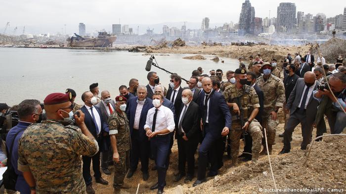 Emmanuel Macron visits Beirut on August 6 (picture-alliance/dpa/AP/T. Camus)