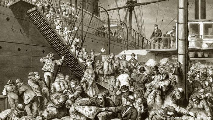 Посадка эмигрантов из Германии на корабль в Америку в середине XIX века