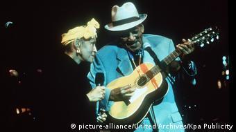 Omara Portuondo em dueto com Compay Segundo, registrado no filme de Wim Wenders