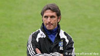 Bruno Labbadia hatte den Rückhalt der Hamburger Spieler schon längst verloren (Foto: dpa)