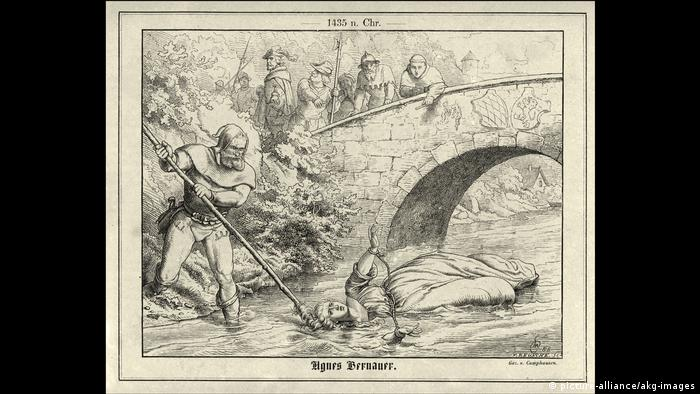 Depiction of the drowning of Agnes Bernauer (picture-alliance/akg-images)