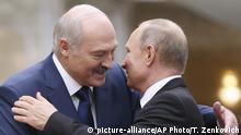 Belarus Minsk Lukaschenko und Putin (R)
