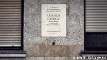 Ungarn Wandtafel am ehemaligen Lukacs Archiv in Budapest