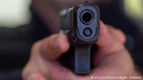 Чому в Україні досі немає закону про зброю?