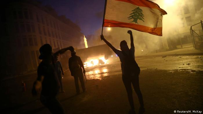 در ناآرامیهای اخیر در بیروت زنان حضوری گسترده داشتند.