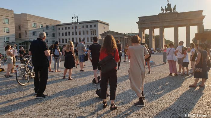 U Berlinu se okupilo tridesetak građana