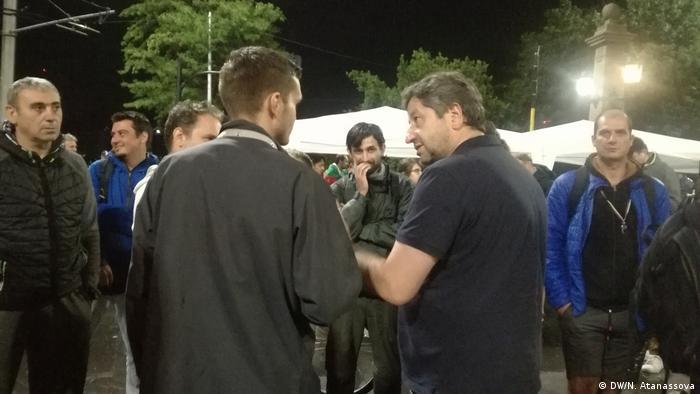 Христо Иванов сред протестиращите на Орлов мост