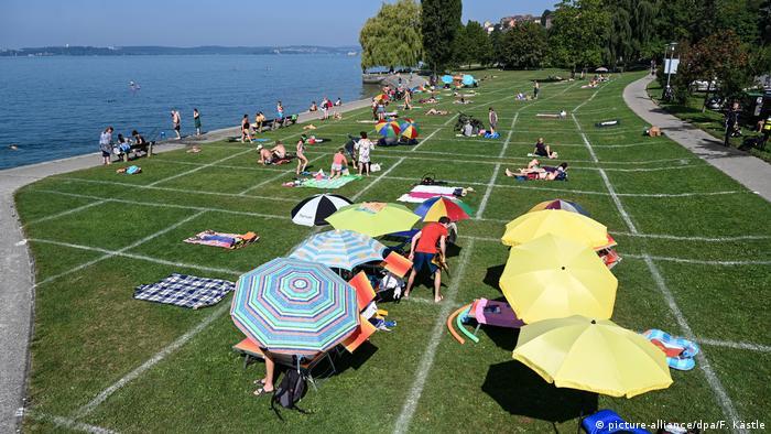 Deutschland Coronavirus - Geordnetes Sonnenbaden am Bodensee