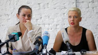 Светлана Тихановская (слева) и Мария Колесникова (справа) до отъезда Тихановской из страны